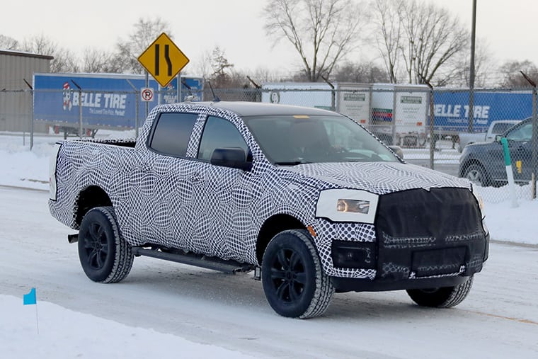snow-leopard-the-2019-ford-ranger-spotted-testing-in-the-snow-0002